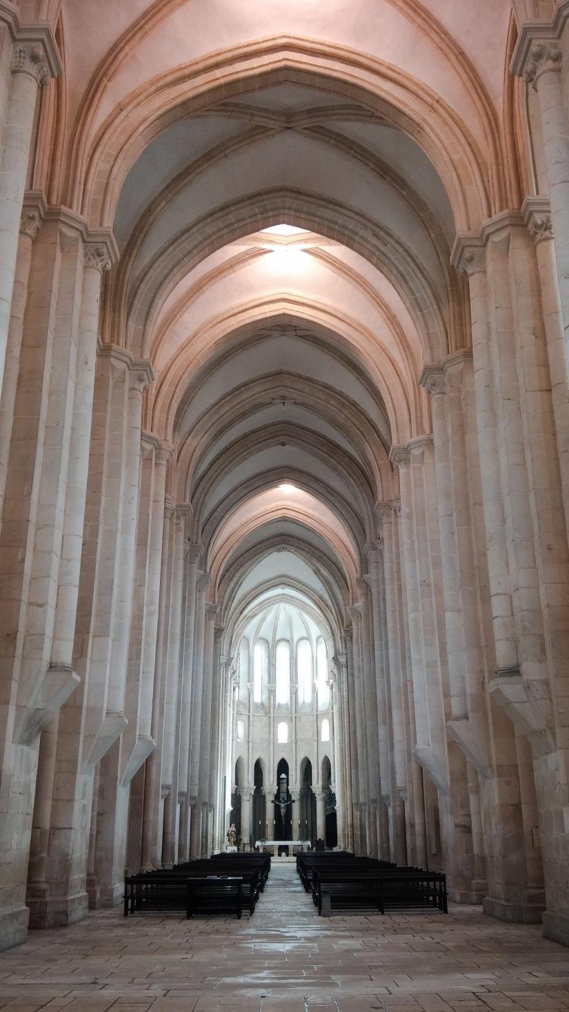 Alcobaca_monastery_church.jpg